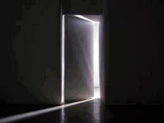 Quand les mots rencontrent l 39 image dans chemin porte for Porte qui s ouvre