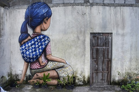 STREE-ART-MUM-AND-BABE