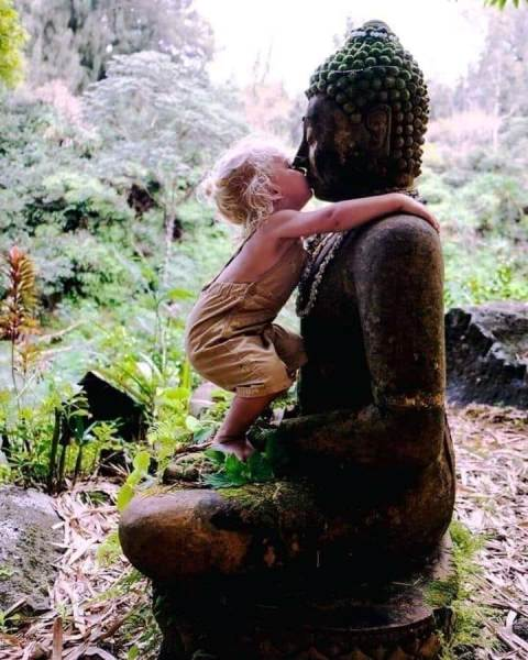 BOUDDHA ET ENFANT